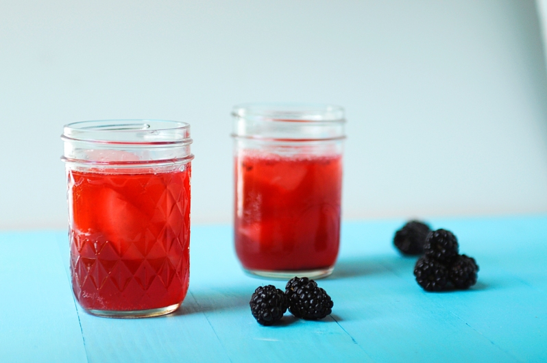 Blackberry-Pomegranate-Spritzer